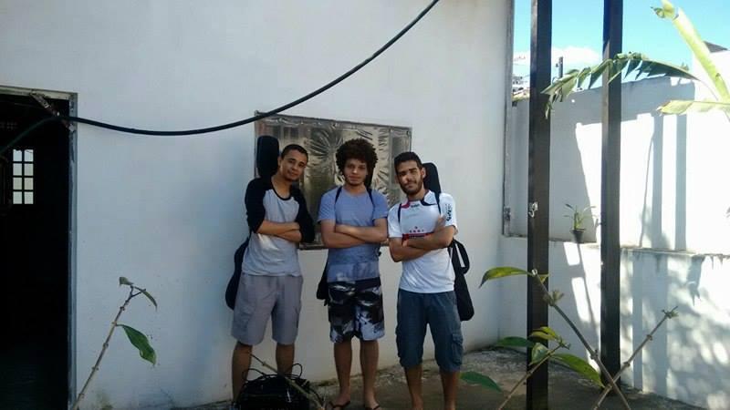 César Magnum, eu e Bruno Kainã. Foto: acervo pessoal.