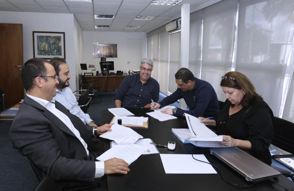 Reunião entre os representantes da Liga e os diretores da SPTuris. Foto: Jose Cordeiro/SPTuris