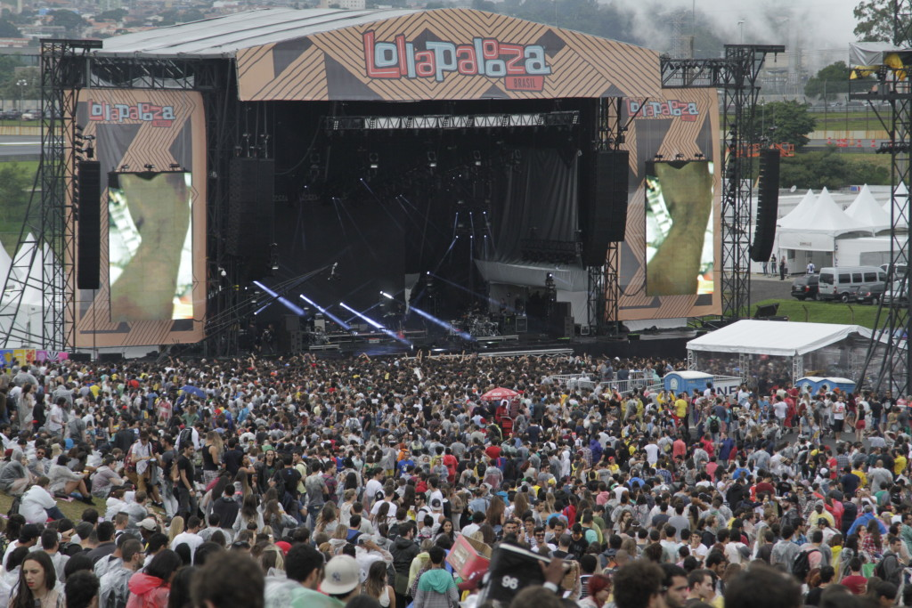 Lollapalooza - São Paulo (SP) - 29.03.2015 - Festival de música Lollapalooza, realizado no Autódromo de Interlagos. Foto: Marcelo Iha/SPTuris